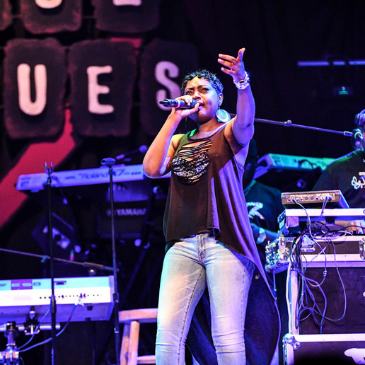 Love & Laughter Nesha Opened for Recording Artist Tank - House of Blues