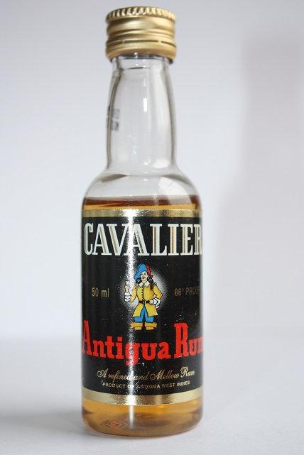 Cavalier Antigua Rum gold