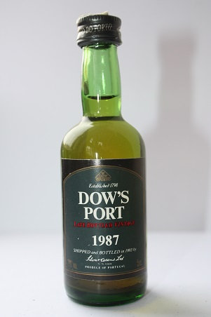 Dow's port 1993 late bottled vintage 1987