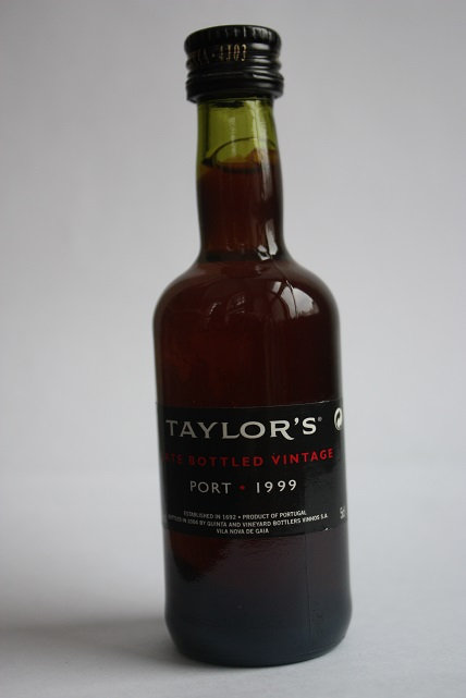 Taylor's late bottled vintage port 1999