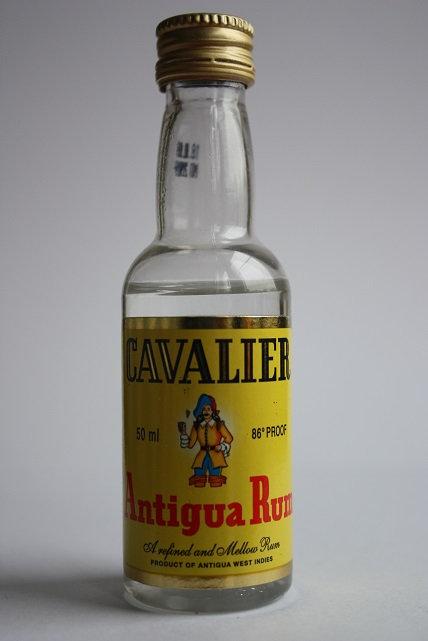 Cavalier Antigua Rum blanc