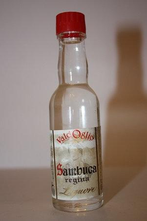 Sambuca regina liquore
