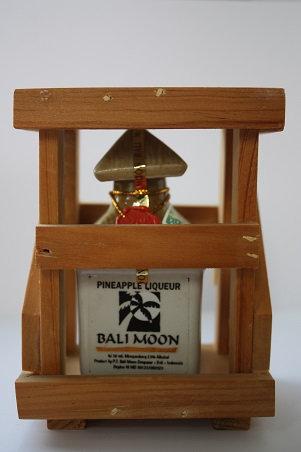 Bali moon pineapple liqueur