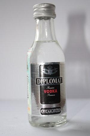 Diplomat special russian vodka premium