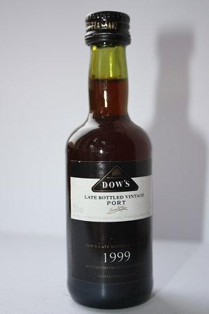 Dow's port 2005 late bottled vintage 1999