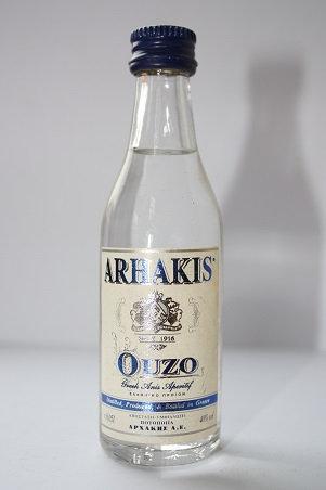 Arhakis ouzo