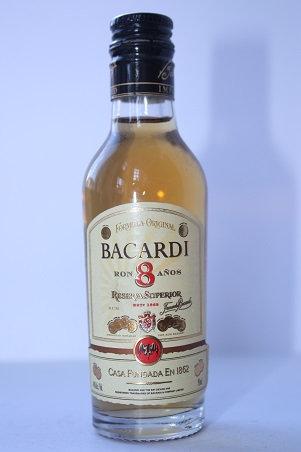 Bacardi 8 anos reserva superior