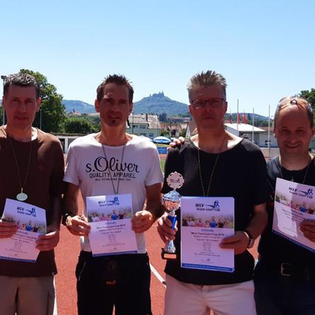 Leichtathleten und Triathleten feiern Sieg im Team