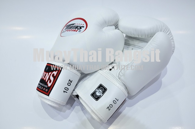 Boxing gloves, velcro wrist strap