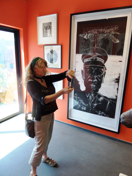 Diane Victor visiting Red Room