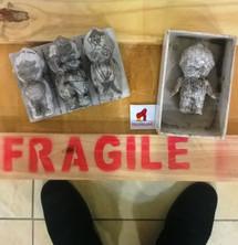 Fragile ... yes!