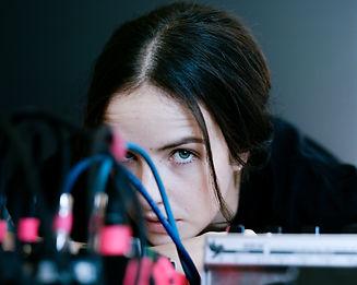 Ela Minus on Machine Mechanics