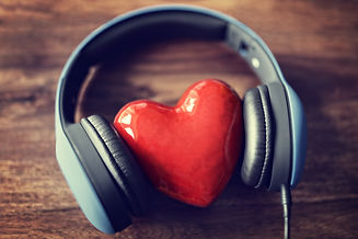 love-listening-to-music-P2ZCN9R.jpg