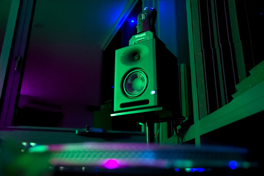 Physical_radio_australia_studio_setup_electronic_music_dj_setup_.jpg