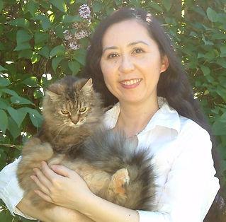Animal communicator Keiko Watt with kitty