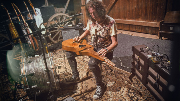 Gwyn Ashton International Recording Artist, One-Man alt Progressive blues band