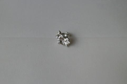 25 earring in fine silver - hkd $480