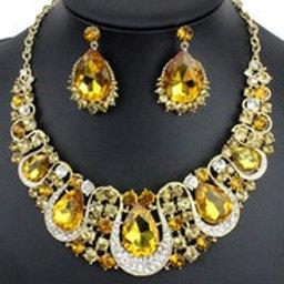 Chunky Amber & Rhinestone Necklace Set