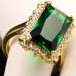 Emerald & Gold Ring - Size 8