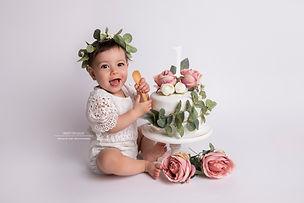cake smash leicester.jpg