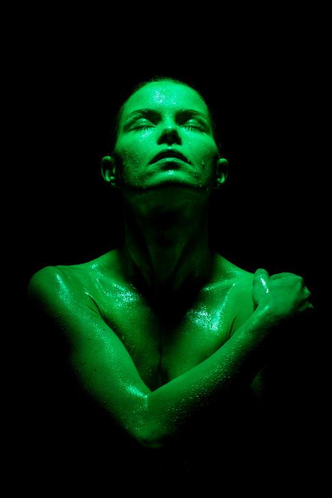 Toxic-shower-florie-4.jpg