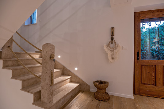 HAND CRAFTED STONE STAIRS MAISON MALA