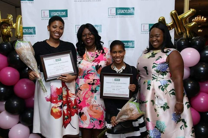 Scholarship Recipients 2018.jpg
