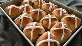 Hot Crossed Buns