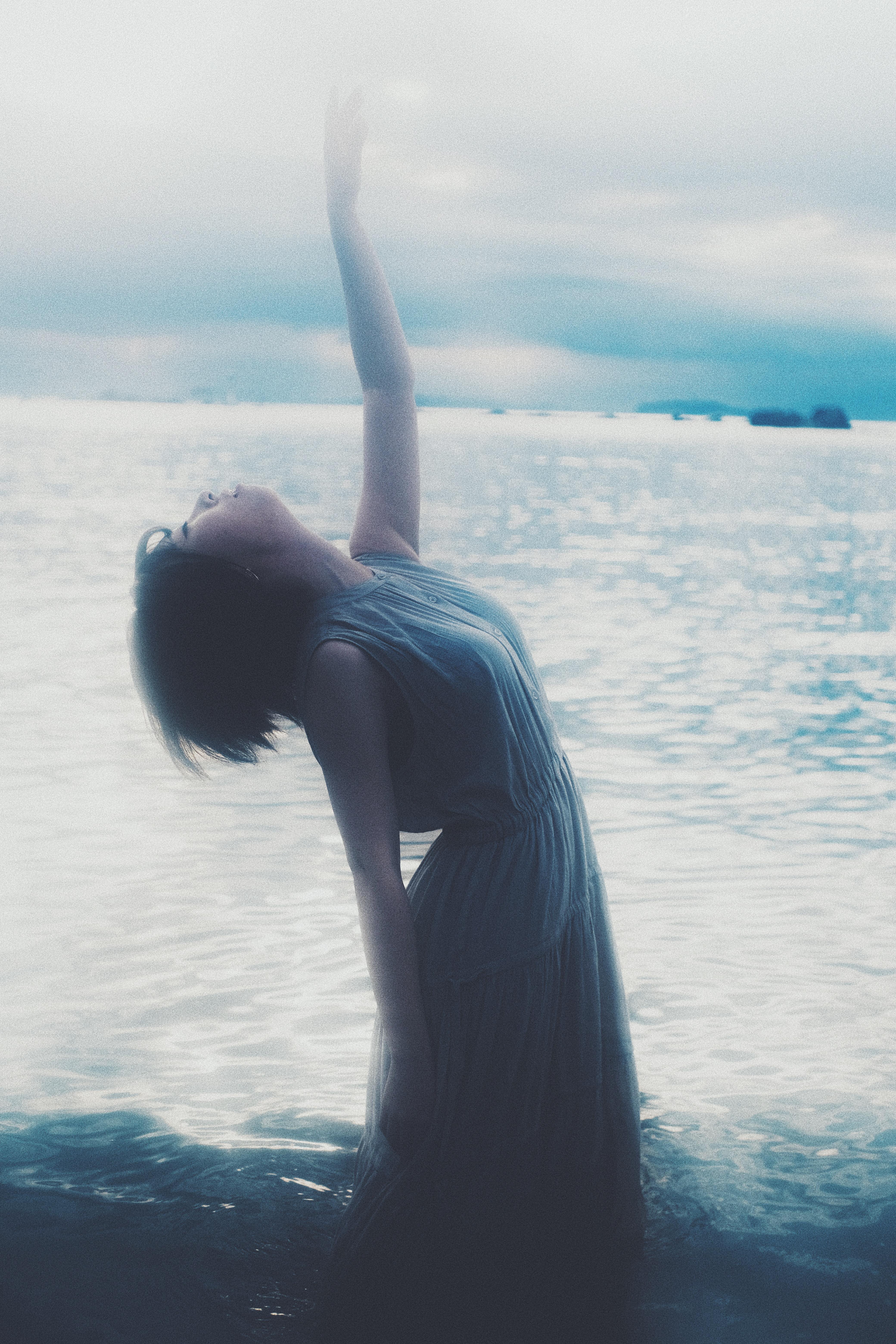 日差しと海を