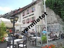 Restaurant mit Terrasse_edited.jpg