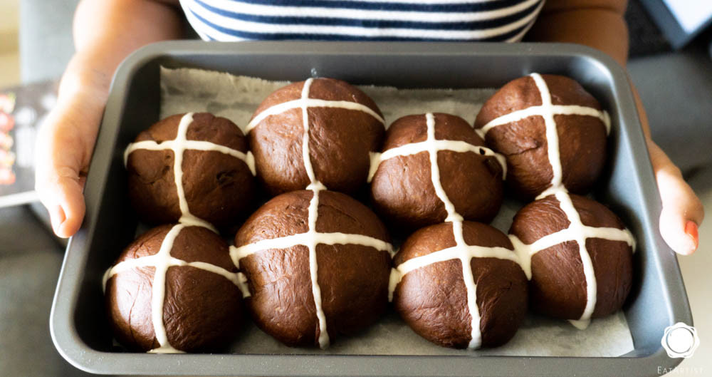Chocolate hot cross buns in making