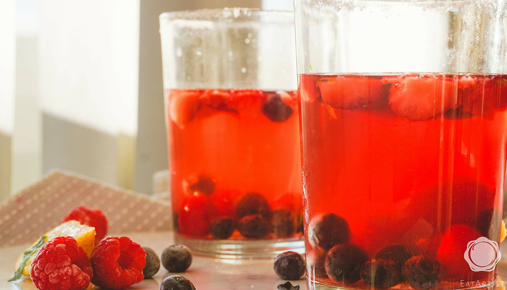 Very Berry iced tea image sideview