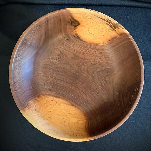 Walnut Bowl: Heartwood and Sapwood