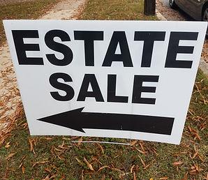 estate sale sign with left arrow.jpg
