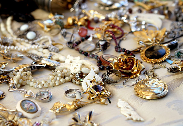 old vintage necklaces and jewelry for sa