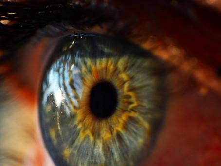 Se frotter les yeux peut-être dangereux / Uw ogen wrijven is gevaarlijk