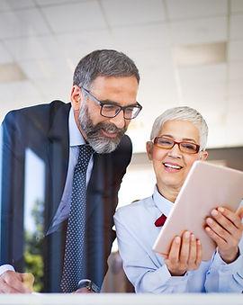 business-people-meeting-corporate-digita