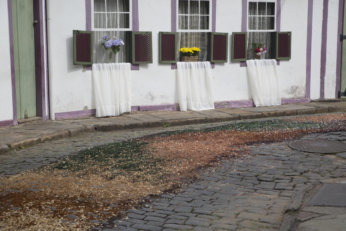 Procissão sobre tapetes Semana Santa