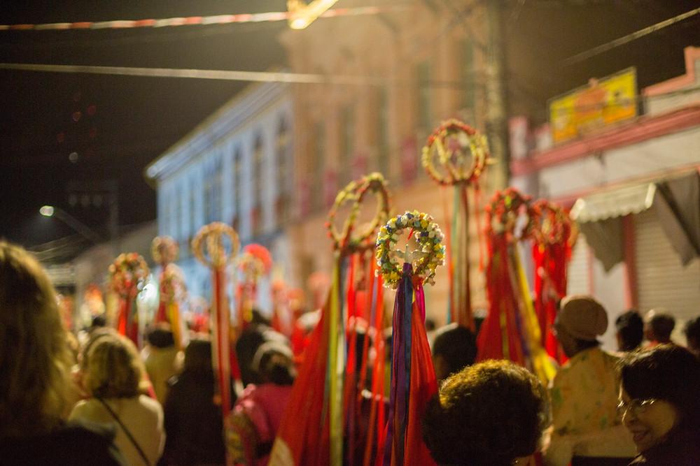 Procissão de rua na Festa do Divino em São Luiz do Paraitinga