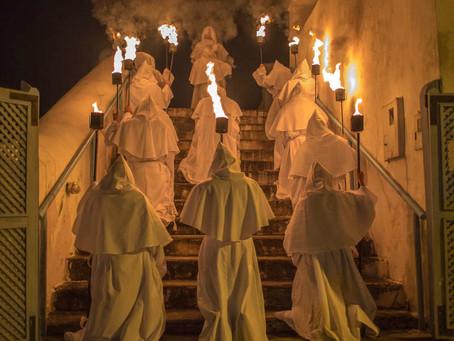 As misteriosas procissões dos Penitentes