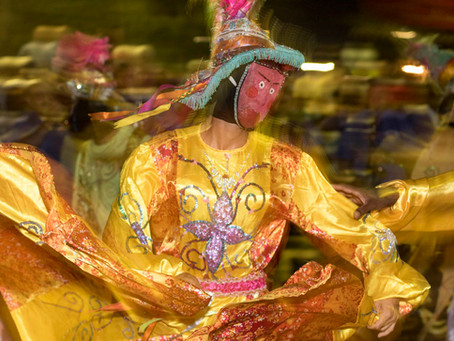 Festa dos Mascarados, natureza incrível e lembrancinhas na volta
