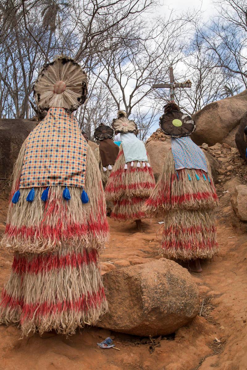 Índios Pankararu em ritual em homenagem ao Padre Cícero na festa de finados em Juazeiro do Norte