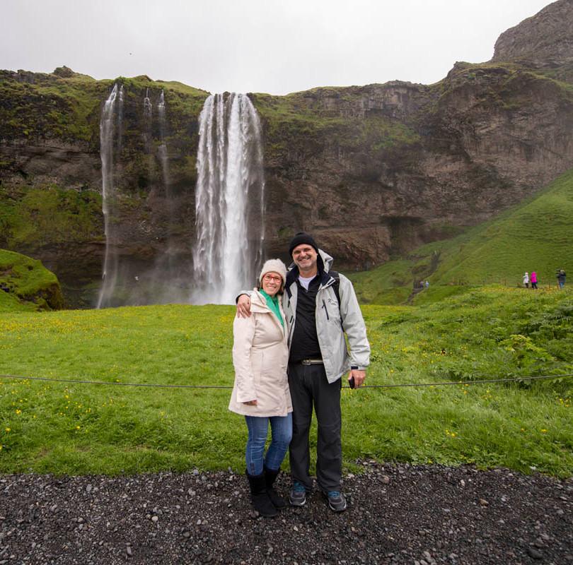 Le e Andrea na Seljalandsfoss