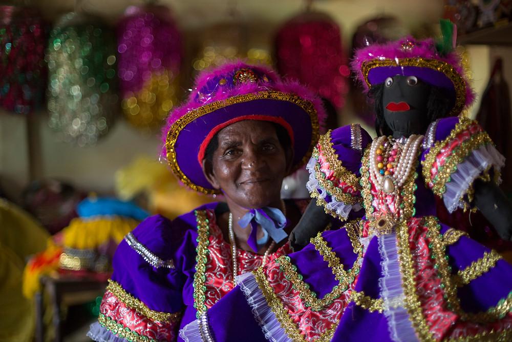 Dama do Paço e Calunga no Maracatu Rural de Nazaré da Mata (PE)