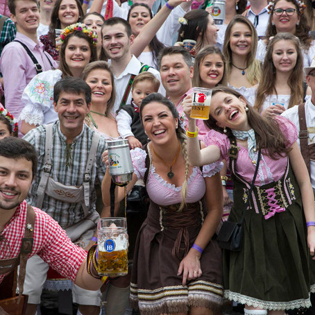 Oktoberfest: uma festa alemã em território brasileiro