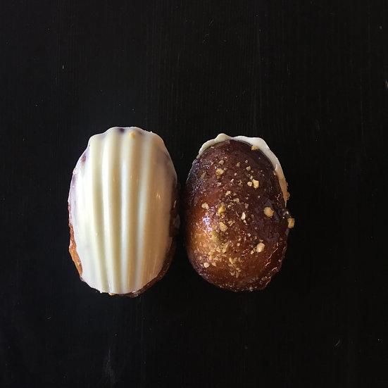 Pistachio madeleine