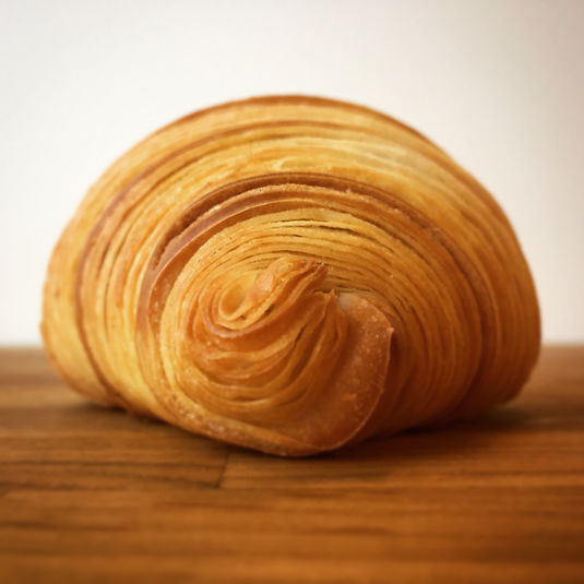 Butter croissant profil.JPG