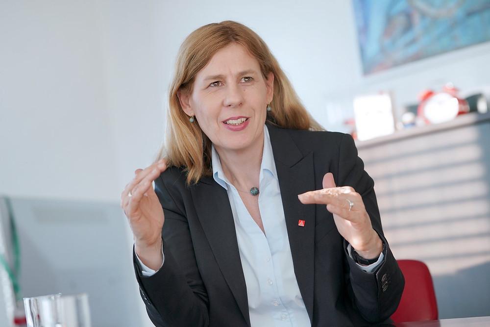 Rechtsanwältin, Kolumnistin und Expertin für Arbeitsrecht, Angela Kolovos