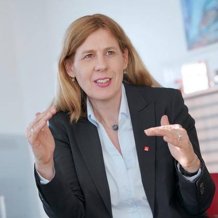 """Sommerinterview mit Irene Schulz: """"Der Markt alleine wird es nicht richten."""""""