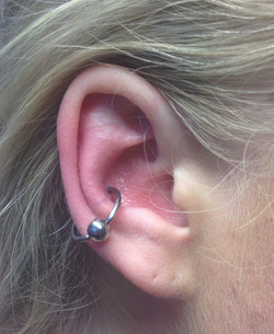 conch with ball closure ring